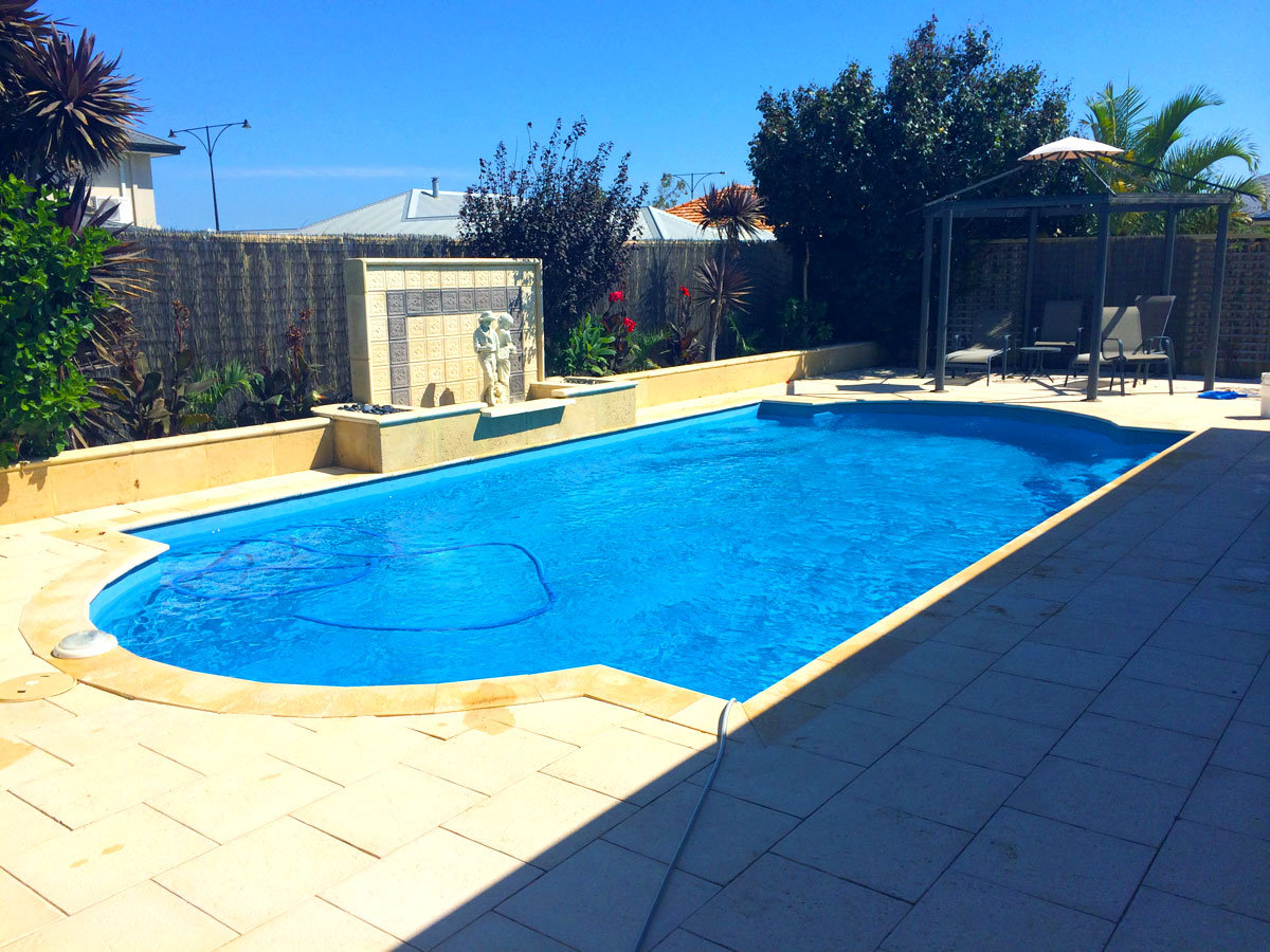 Pool cleaning perth spa maintenance perth for Pool show 2015 perth